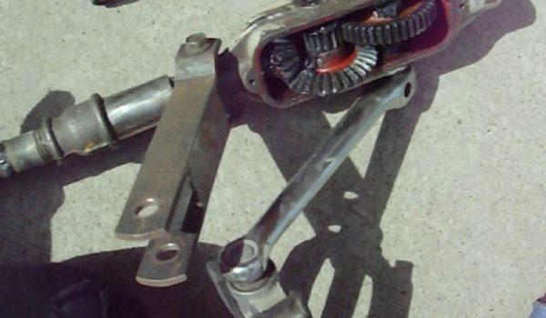 Педальный механизм катамарана