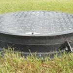 Крышка для канализационного люка из композитных материалов