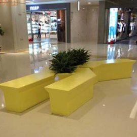 Квадратная скамейка из сетклопластика